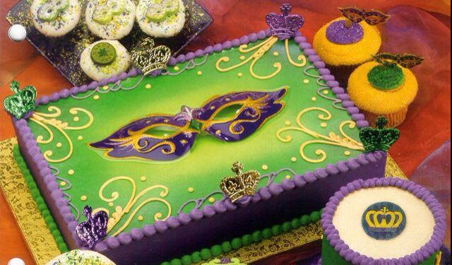Single-tier Mardi Gras cake