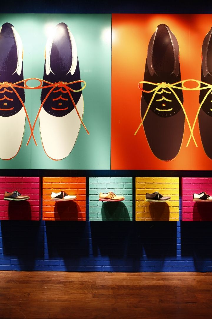 Cole Haan coordinated  windows display