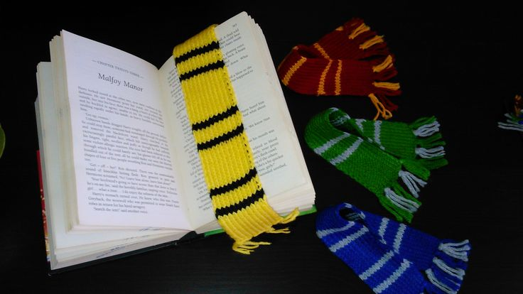 Harry Potter hand-knitted Hufflepuff House bookmark scarf!