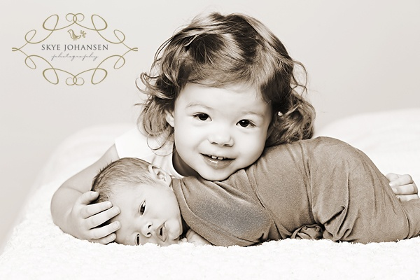 pose: And Or Sibling, Sibling Shots, Sibling Photography, So Sweet