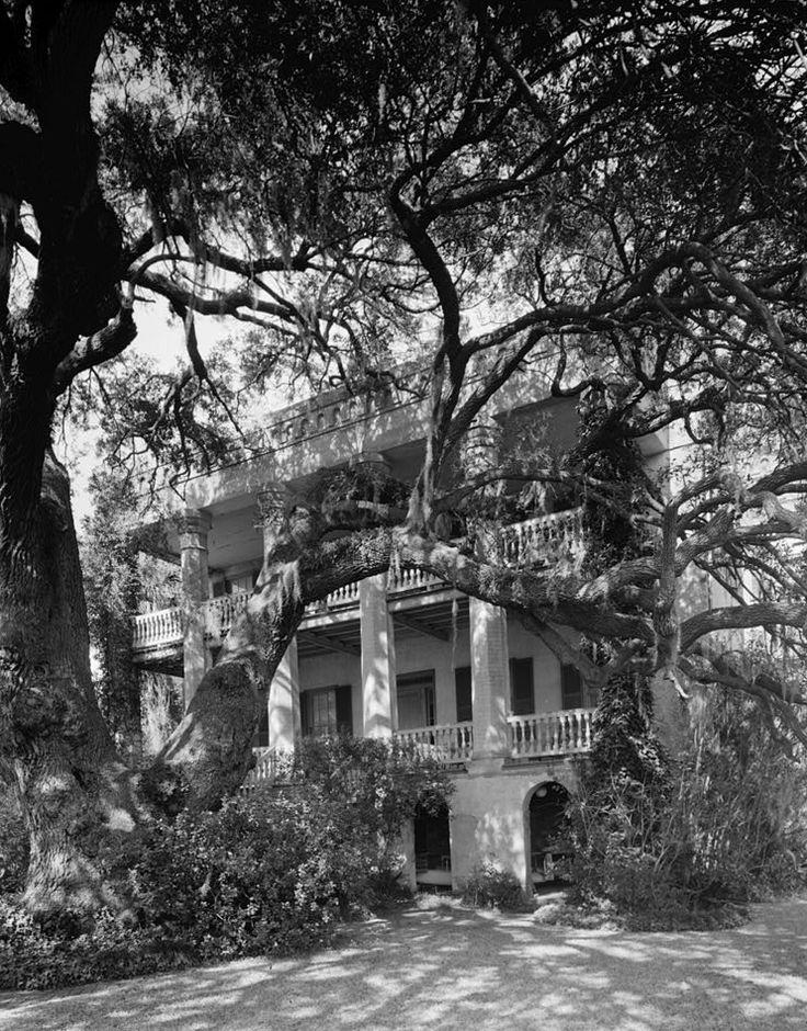 365 best plantations images on pinterest for Abandoned plantation homes for sale