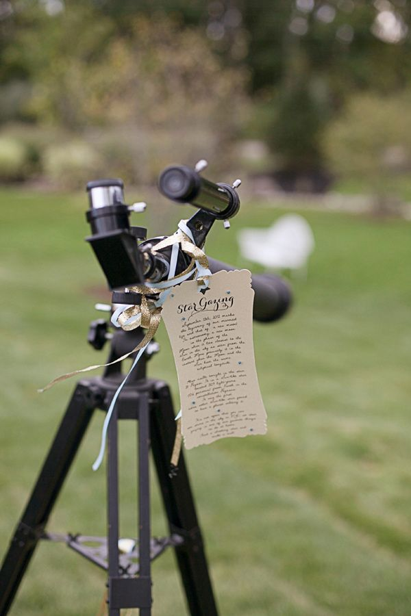 Stargazing telescope for danced out guests-- perfect for outdoor wedding :)