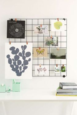 I love these wire grid memo boards that seem to be everywhere at the moment. They're great for displaying all sorts of cute cards and other bits and pieces. I wanted one for my kitchen to store rec...