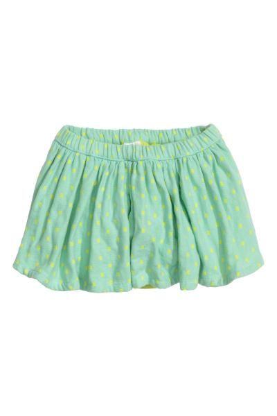 Falda estampada de algodón: EXCLUSIVO PARA BEBÉS/CONSCIOUS. Falda en algodón orgánico de capa doble. Cintura elástica y braga interior en popelina de algodón con elástico en la pernera.