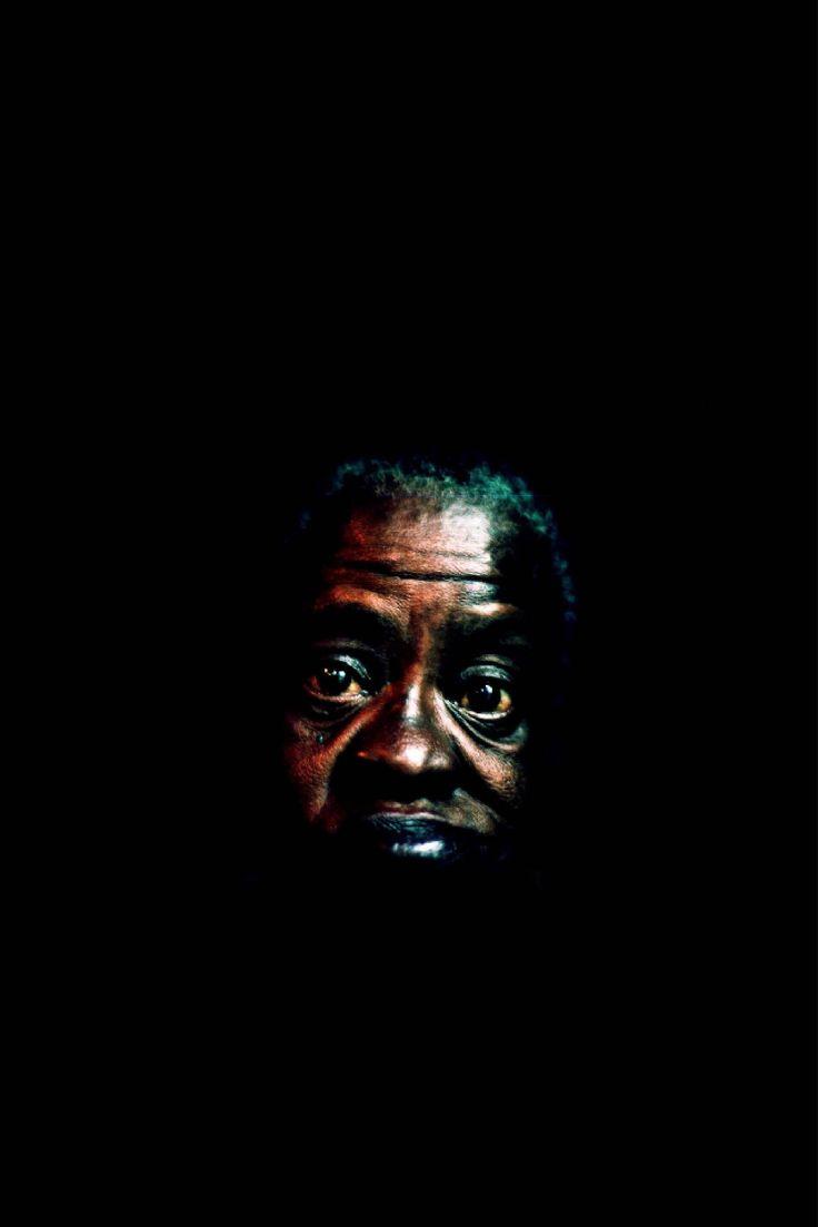 Khalik Allah: A Auréola na Escuridão da Noite · Lomography