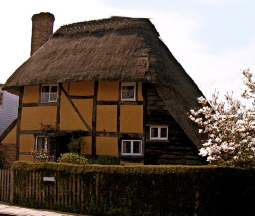 Saxon Cottage , circa 1550, is a National Trust cottage in Steyning, West Sussex, England.