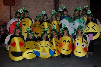 Disfraz de emoticonos mis disfraces pinterest - Difraces para carnaval ...