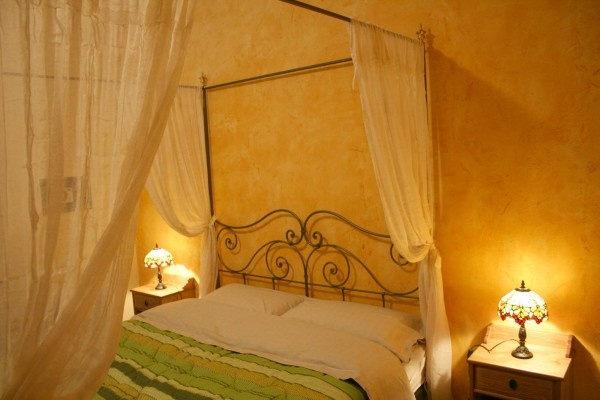 Villa in the vineyards of Lombardy in the North of Italy: bedroom