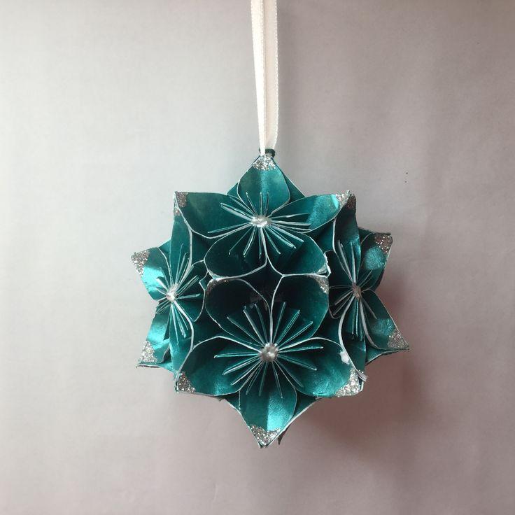 KO22 Shiny Turquoise...glitter corners..9cm sq.