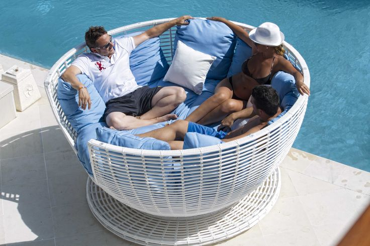 #Creative #Furniture From Fiore Rosso Skyline Collection.  http://www.fiore-rosso.com/  #SofaSet #OutdoorLiving #OutdoorFurniture #UAE #ABUDHABI #CreativeLiving #Doha #Saudi #Oman #FioreRosso #Iran