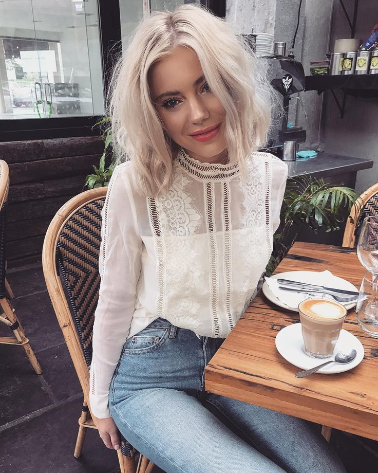 """14.2 k mentions J'aime, 68 commentaires - Laura Jade Stone (@laurajadestone) sur Instagram: """"It's time for ☕️ Wearing @theiconicau """""""
