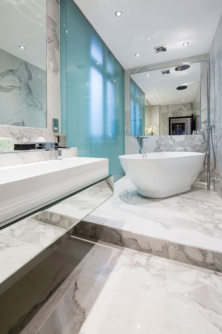 85 best | CELEBRITY BATHROOMS | images on Pinterest | Bathroom ...