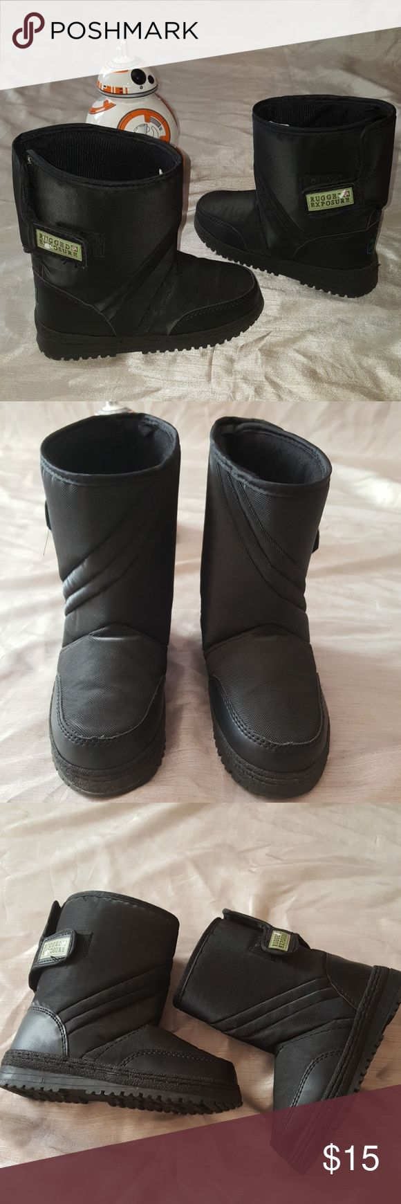❄Snow boots☃️ Pre-loved, kids snow boots. Worn a few times, in good condition. See pictures, side brand label has some  peeling.  Velcro in great condition. Perfect for kids to enjoy out in snowy cold weather.☃️ Rugged Exposure Shoes Rain & Snow Boots