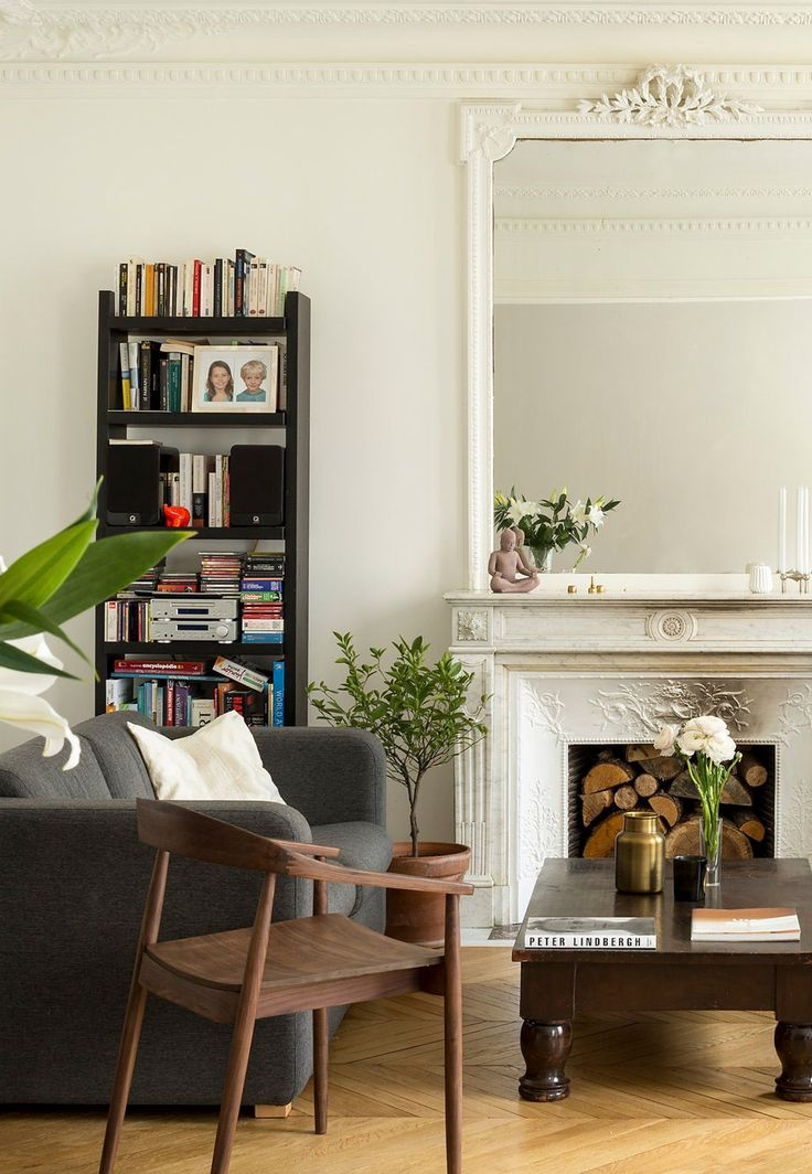 Esta reforma de un apartamento en París es el ejemplo perfecto de Mezcla entre Antiguo y Nuevo