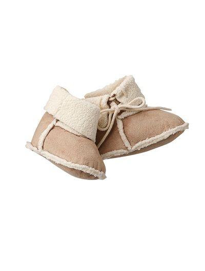#Botas #flexibles de #recién #nacido, mullidas y muy de tendencia, completarán todos los conjuntos de tu angelito.