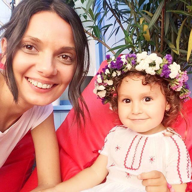Selfie cu Sofia 🤗#flori #sezatoareaurbana #iesc #creart #romania #bucharest