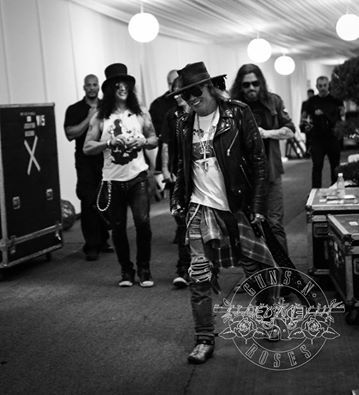 Slash and Axl, in Not In This Lifetime Tour - 2016