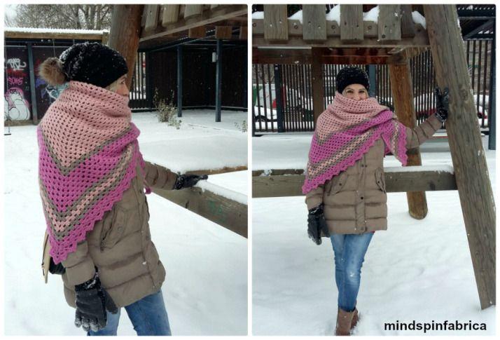 Triangle crochet shawl_mindspinfabrica