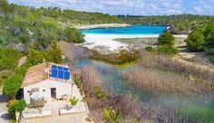 Ab 200 € können Sie die Finca Natura Beach Cala Santanyí auf Mallorca mieten. Die Finca bietet Platz für bis zu 4 Personen. Buchungshotline: 0521-44818470