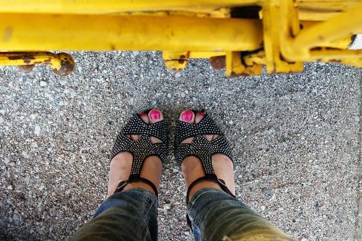 http://amemipiacecosi.blogspot.it/2014/05/outfit-giacca-etnica-liu-jo-e-ripped.html  #liujo #rippedjeans #jeans #denim #outfit #ootd #fashion #fashionblogger #jeffreycampbell  #sandals #heels #brown #rhinestones #shoes #scarpe #sandali