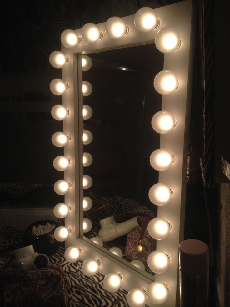 white wedding lighted vanity mirror | cute bedroom decor