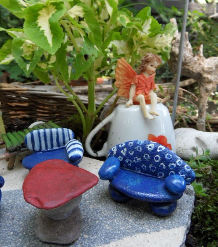 painted pepples for a fairy garden...pebble furniture!!