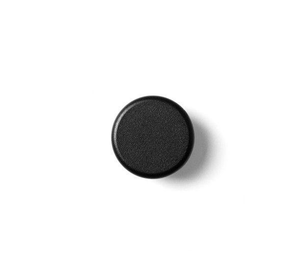 Wall Hooks Knobs sono una coppia di pomelli da parete ideati da Norm Architects e realizzati da Menu. Questi pomelli appartengono ad una linea di accessori da bagno progettata per assicurare la loro logica funzionalità, senza dettagli inutili, con un'estetica minimalista che ne consente l'utilizzo associato a qualsiasi stile. Sono 2 stabili pomelli d'acciaio verniciato a polvere,di forma rotonda, di cui si può scegliere il colore: cenere, ottone, bianco e nero.