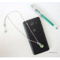 Jemný náhrdelník so zelenou slzičkou pre elegantnú ženu :)