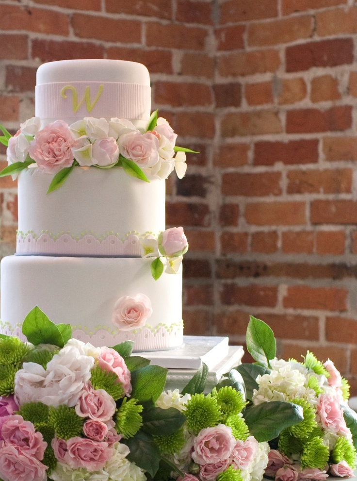 Soft Pink Ohara Garden Roses Pecher Peony Buds White Hydrangea Sugar Flowers Provide A Feminine Touch To This Wedding Cake Photo By Tina Shropshire