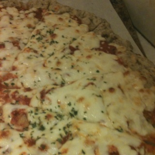 Gluten and egg free pizza! @Lauren Wludyka make me this!!!