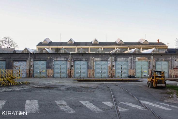 Das ehemalige Depot des Städtischen Verkehrsbetriebs wurde im Rahmen von Plzen 2015 in einen kreativen Ort verwandelt. In diesem Jahr und für die Zukunft dient dieser Ort als Kreativzentrum für Kün…