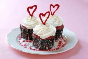 Red Velvet Cupcakes/Briose Red Velvet cu crema de branza