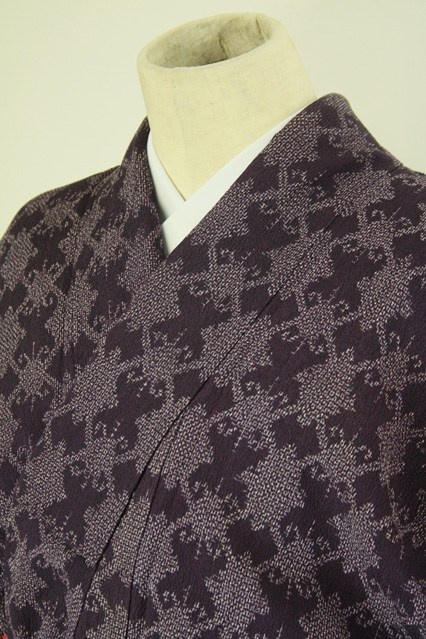 Purple hitoe komon / 紫色地 幾何学柄 縮風素材の単衣小紋   #Kimono #Japan  http://www.rakuten.co.jp/aiyama/