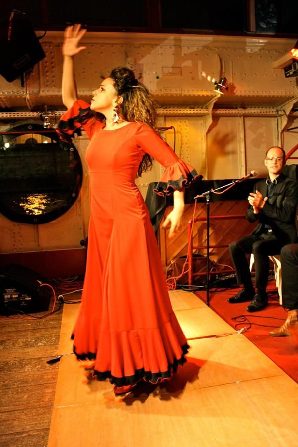 Aurelia Bottero El Nino de Gambetta Le Chat Noir (Paris)  15 mai. 2015 #flamenco #paris