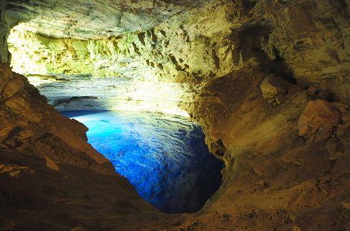 Chapada Diamantina - Onde fica: Bahia. Por que você deve ir: esta área é famosa por ser o centro da corrida do diamante no século 19 (Por isso o nome: Diamantina faz referência aos diamantes). As cavernas são lugares perfeitos para fotos de tirar o fôlego.