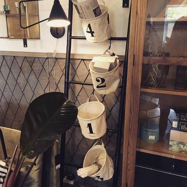 Opbevaringsposerne fra House Doctor er så fine og praktiske til opbevaring af fx magasiner, huer og vanter, legetøj og adventsgaver.