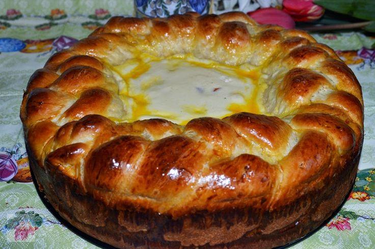 http://www.caietulcuretete.com/2014/04/pasca-cu-crema-de-branza-si-fructe.html