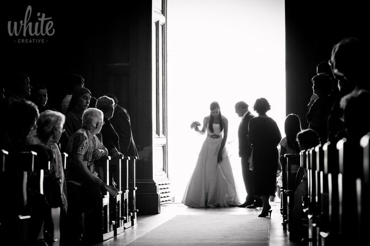 Arrivo in Chiesa by White Creative on 500px  #realwedding #matrimonio #sposa #wedding #bride #reportage #photo #foto #b&w #chiesa