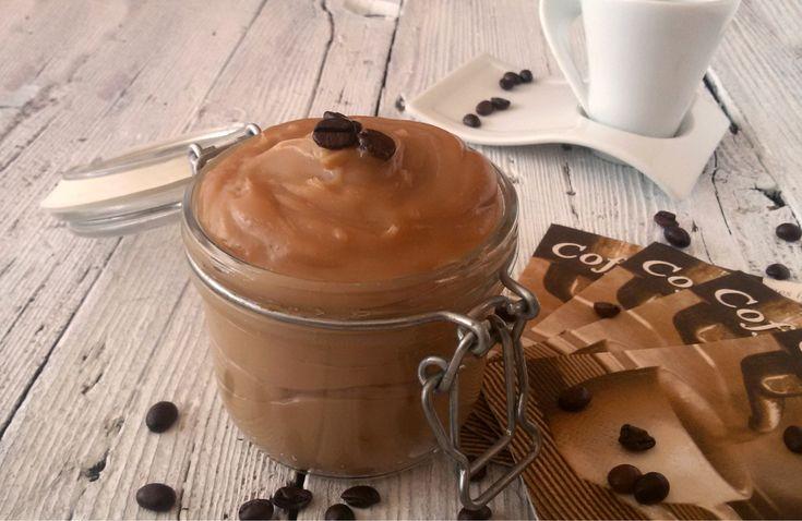 Cremaal caffè senza uova...gustosa, delicata!Da mangiare da sola o per farcire dolci o torte!!!! Insomma molto versatile, leggera e anche gluten free