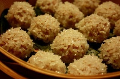 steamed sticky rice meat balls (蒸しもち米の肉団子)