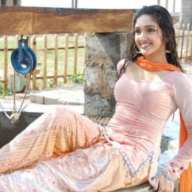 Girls in Punjabi Suits - Page - 3