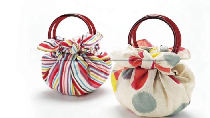 店舗で提案する風呂敷バッグ いちごバッグ 【和雑貨卸問屋】