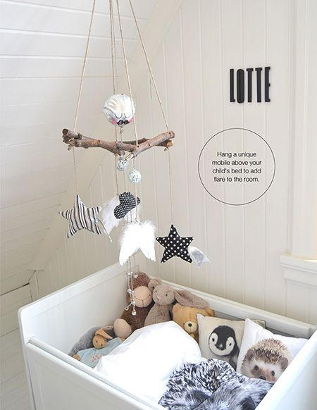 Children's room - Quick fix: Personalized mobile - Via La Petite Magazine(Diy Pillows Animal)