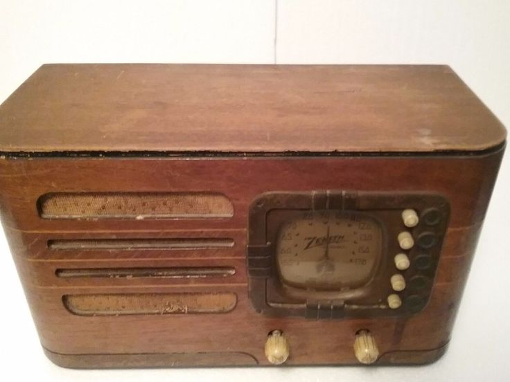vintage small zenith 5r316 tabletop radio w pushbuttons. Black Bedroom Furniture Sets. Home Design Ideas