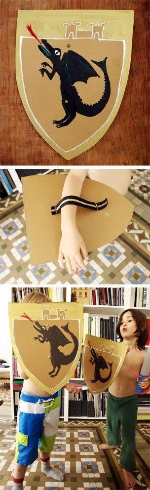 Bouclier en carton pour les contes, le Moyen-Âge, un spectacle... ➟➟ http://www.diverint.com/imagenes-comicas-ahorrando