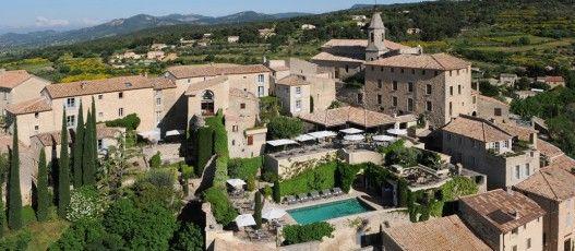 Crillon le Brave. 25 miles ne of Avignon. 34 Rooms.