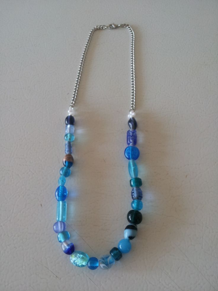 A casual multi toned bead necklace in the hue of blue.