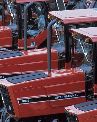 Used Cars Quad Cities >> New IH 88 series awaiting shipment at the farmall plant in rock island illinois - 1982 | Cars ...