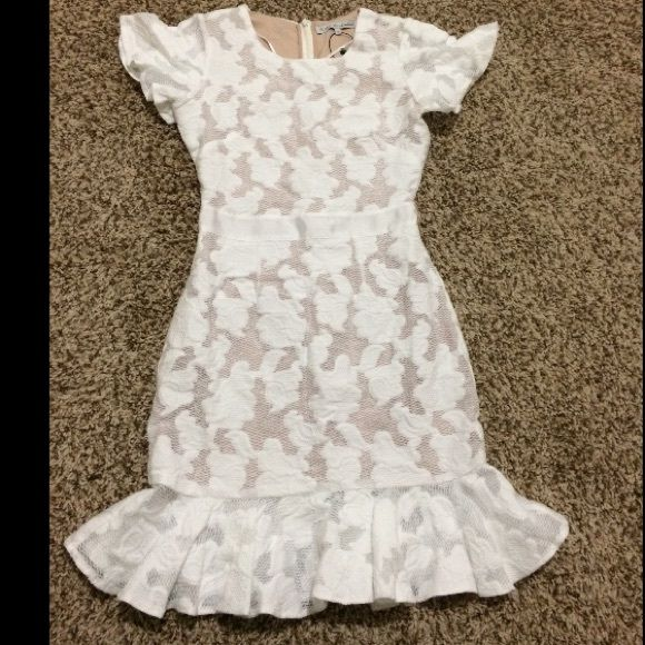 Millie mackintosh lace dress with pep hem Color white with cream, size uk6/us2/34 im in love with this dress but it didnt fit me!! Millie mackintosh Dresses Mini