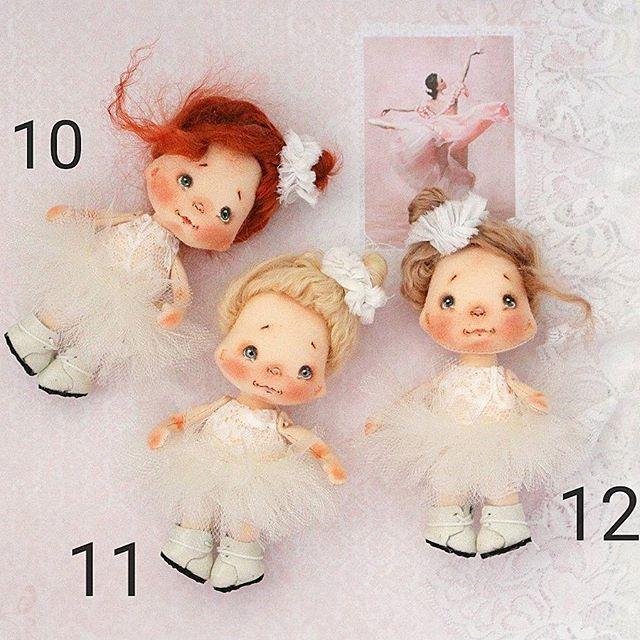 Кукляши малыши, дом нашли, ростом 11-12 см, полностью текстильные, волосики-овечка, маленькие балеринки, юбка-пачка снимается, под ней гипюровый комбез, ботиночки нат.кожа- снимаются, цена 1500 руб+ переезд))) при желании приобрести, пишите комментарий с номером куколки